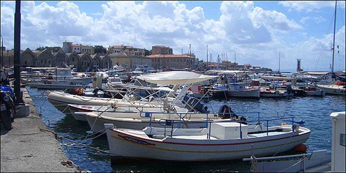 Ο διαχρονικά ακραίος παραλογισμός της φορολογίας:Η «ναυτική» Ελλάδα φορολογεί τα σκαφάκια ως είδος πολυτελείας