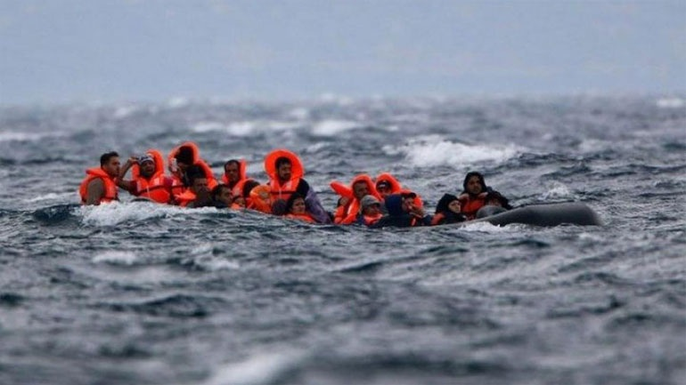 Συγκλονίζει ο μοναδικός επιζών ναυαγίου με μετανάστες στη Μεσόγειο: Πλοία μας έβλεπαν και μας προσπερνούσαν