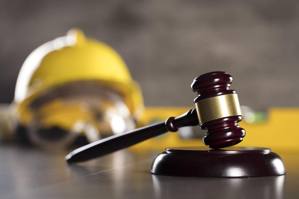Έκτακτη καταγγελία σύμβασης εργασίας ορισμένου χρόνου υποδιευθυντή Τράπεζας λόγω κλονισμού της εμπιστοσύνης και αρχή της ίσης μεταχείρισης