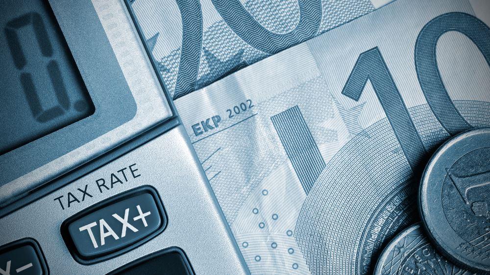 Πόσο θα μειωθούν οι φόροι για μισθωτούς και συνταξιούχους από το 2020