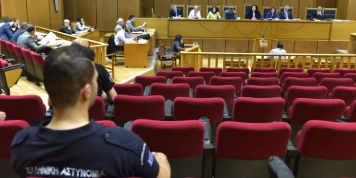 Αρνήθηκαν απολογούμενες τις κατηγορίες οι γυναίκες της Χρυσής Αυγής
