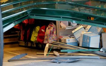 Δύο ακόμη περιστατικά εισβολής με αυτοκίνητο σε καταστήματα στη Ν. Φιλαδέλφεια και τη Ν. Σμύρνη