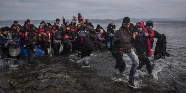 Σχεδόν 3.500 πρόσφυγες πέρασαν στα νησιά του βόρειου Αιγαίου τον Σεπτέμβριο