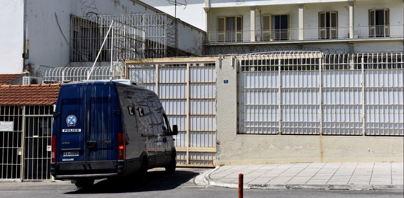 Μαχαίρια και ναρκωτικά στις φυλακές Κορυδαλλού