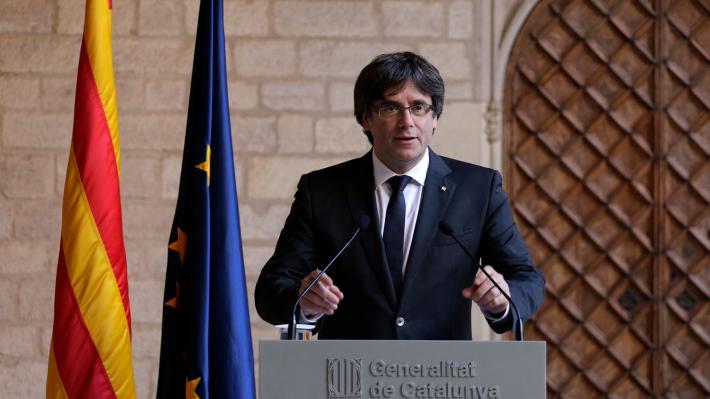 Οι Βρυξέλλες έλαβαν ένταλμα σύλληψης για τον Καταλανό ηγέτη Πουτζντεμόν