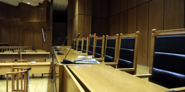 Στο εδώλιο για «οικονομικές ατασθαλίες» 4 συνδικαλιστές της Ομοσπονδίας Δικαστικών Υπαλλήλων Ελλάδος (ΟΔΥΕ)