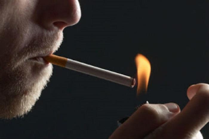 Συνελήφθη θεριακλής που κάπνιζε στις τουαλέτες αεροπλάνου