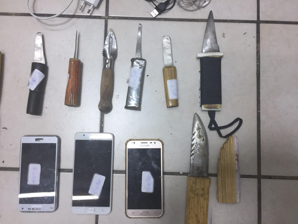 Νέο Ντου σε κελιά των φυλακών Κορυδαλλού! Κινητά, ναρκωτικά και ρόπαλα η «σοδειά»