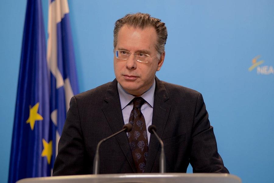 Κουμουτσάκος: Συνολικά 3.141 αιτούντες άσυλο και πρόσφυγες έχουν μετεγκατασταθεί από την Ελλάδα σε 17 χώρες της Ε.Ε