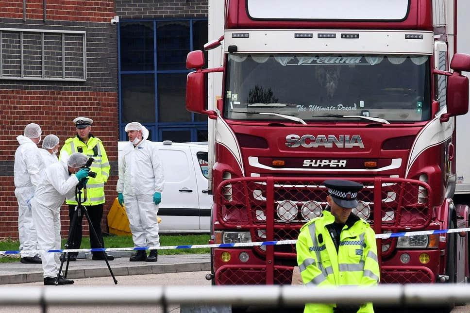 Μ. Βρετανία: Σοκάρουν οι αποκαλύψεις για τη νταλίκα της φρίκης – Κινέζοι οι 39 νεκροί