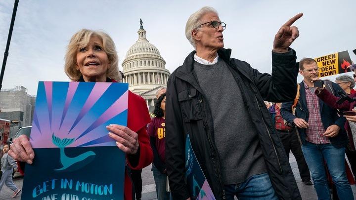 Συνελήφθη (ξανά) η Τζέιν Φόντα – Μαζί της και ο Τεντ Ντάνσον