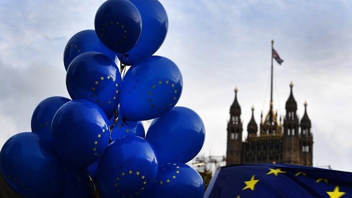 Βρετανία: Εκλογές… σε «χριστουγεννιάτικο» τοπίο