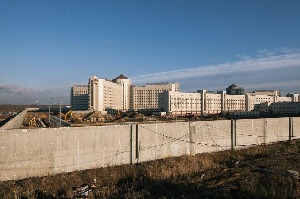 Ρωσία: Μία τεράστια μίζα για την κατασκευή της μεγαλύτερης φυλακής στην Ευρώπη