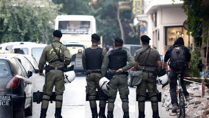 Ολοκληρώθηκε η αστυνομική επιχείρηση για την εκκένωση υπό κατάληψη κτιρίου στα Εξάρχεια