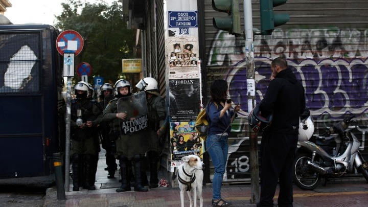 Aστυνομική επιχείρηση σε υπό κατάληψη κτίριο δίπλα στην ΑΣΟΕΕ