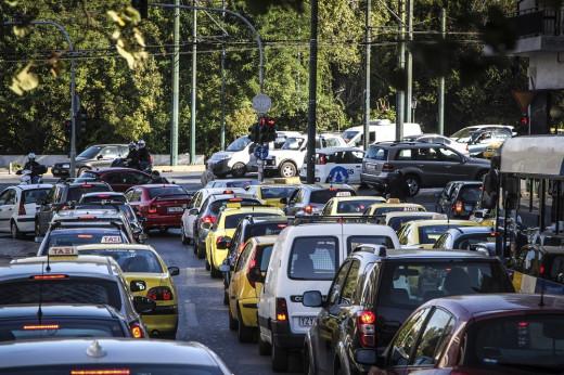 Ποιες αλλαγές έρχονται για το δίπλωμα οδήγησης – Προσωρινή άδεια μετά τις εξετάσεις