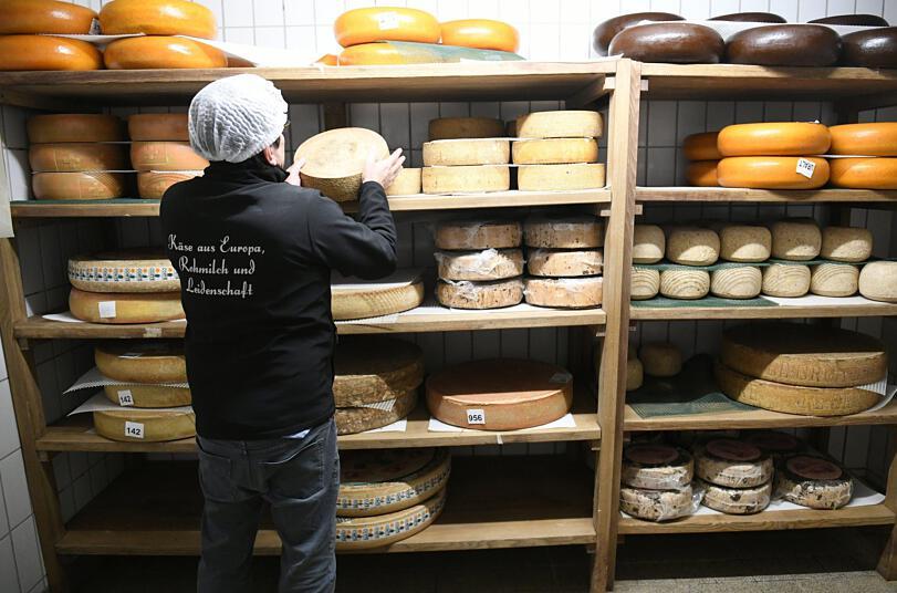Δικαστικό μπρα ντε φερ για τις μυρωδιές που αναδίδονται από ένα τυροπωλείο σε χωριό της Βαυαρίας