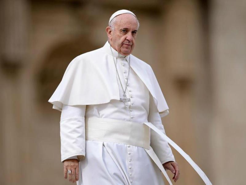 Ο πάπας Φραγκίσκος καταργεί το απόρρητο που κάλυπτε τις υποθέσεις κληρικών κατηγορούμενων για παιδεραστία