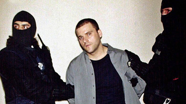 Ο Πάσσαρης είχε μαζί του το όπλο με το οποίο σκότωσε τους δύο αστυνομικούς από τον Κορυδαλλό