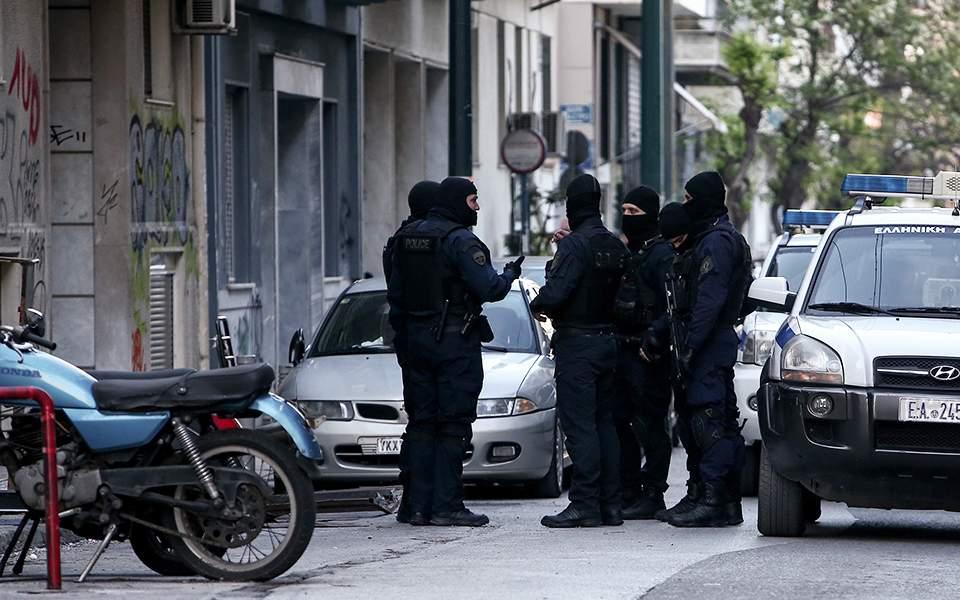 Συνέλαβαν 4 άτομα σε ειδική αστυνομική επιχείρηση στην πλατεία Εξαρχείων για ναρκωτικά