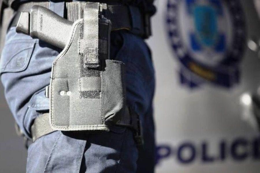 Έκλεψαν όπλο από φρουρό βουλευτή