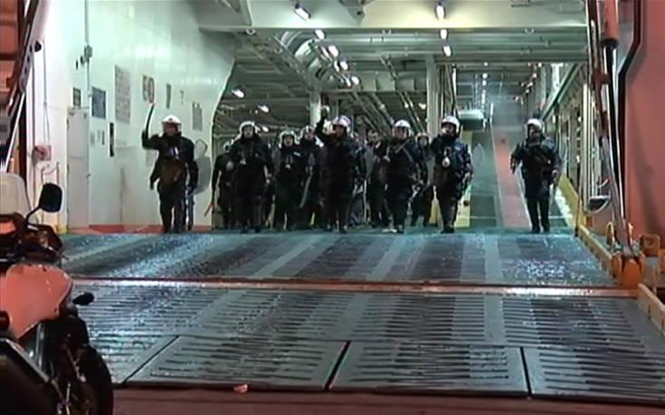 Ένταση ανάμεσα σε ΜΑΤ και οπαδούς του Ολυμπιακού μέσα στο πλοίο της επιστροφής από την Κρήτη