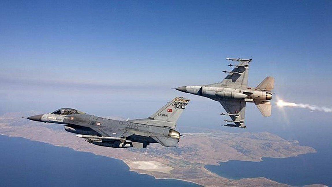 Νέες υπερπτήσεις τουρκικών F-16 στο Αιγαίο: Πέταξαν πάνω από τους Λειψούς