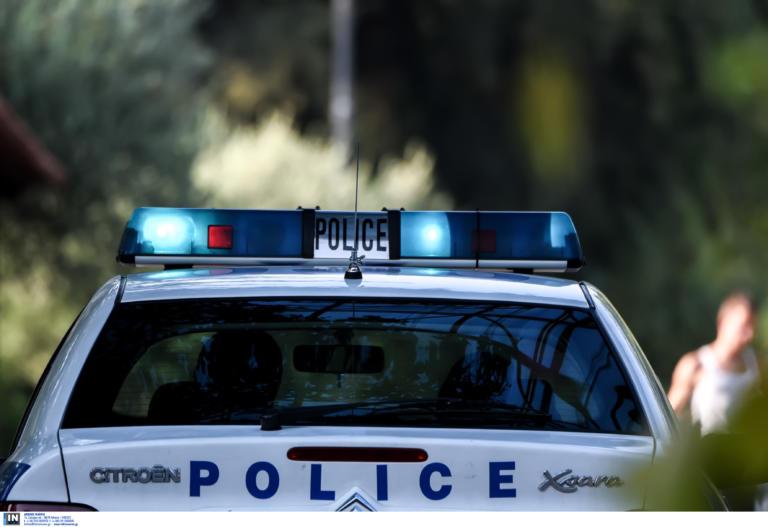 Παρίστανε τον αστυνομικό και ξάφρισε αλλοδαπούς