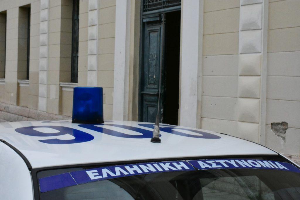 """Βγαλμένο από αρχαία τραγωδία το """"φονικό"""" στο Πέραμα: Πώς έχασε τη ζωή του ο νεαρός αστυνομικός από το χέρι του αδερφού του – ΒΙΝΤΕΟ"""