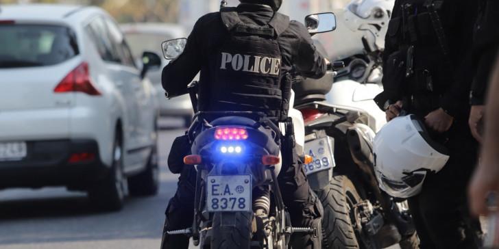 Τροχαίο με αστυνομικούς που αναζητούσαν τους δράστες της συμπλοκής στον Άγιο Παντελεήμονα – Τραυματίες 2 αστυνομικοί