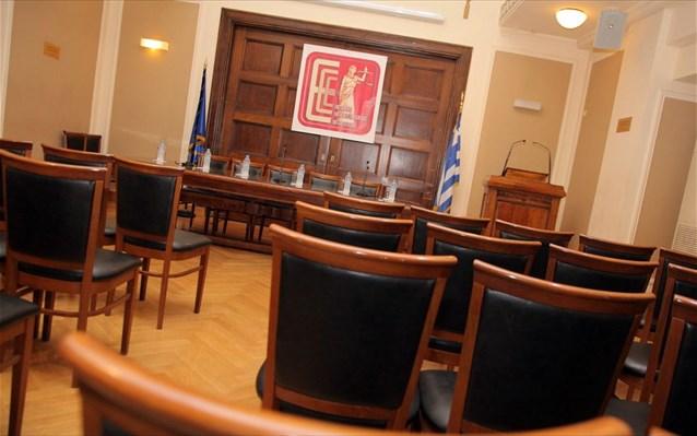 Ένωση Εισαγγελέων Ελλάδος: Ζητά κατ' εξαίρεση εμβολιασμό για το άνοιγμα των δικαστηρίων