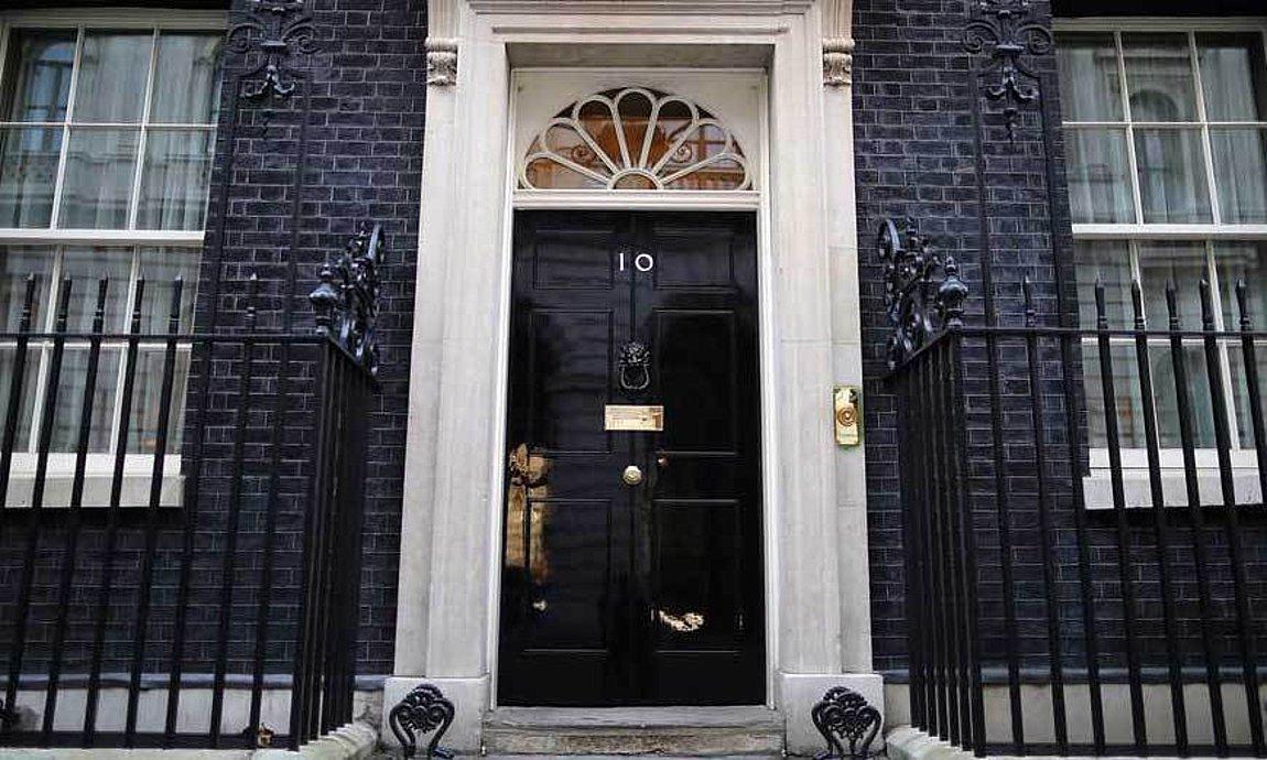 Βρετανία: Παραιτήθηκε σύμβουλος του πρωθυπουργού που κατηγορήθηκε για ρατσιστικά σχόλια