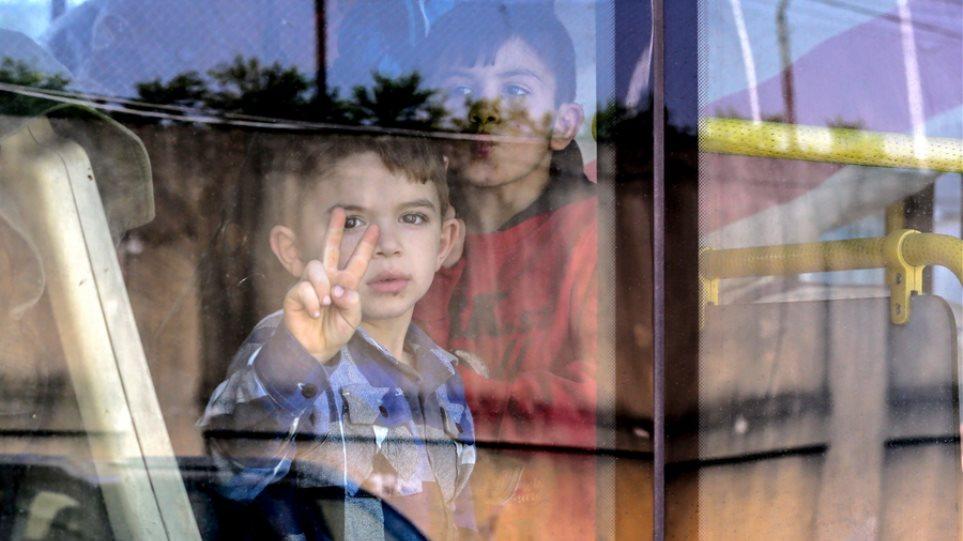 Έκθεση ΠΟΥ: Καμία χώρα δεν προστατεύει επαρκώς την υγεία και το μέλλον παιδιών και εφήβων – Σε ποια θέση είναι η Ελλάδα