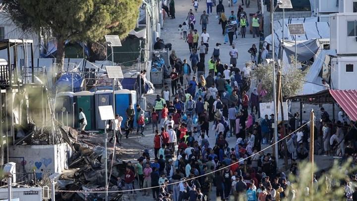 Κορονοϊός: Γιατί «κλείνουν» τα κέντρα προσφύγων- Τι φοβάται η κυβέρνηση για την υγειονομική βόμβα των νησιών