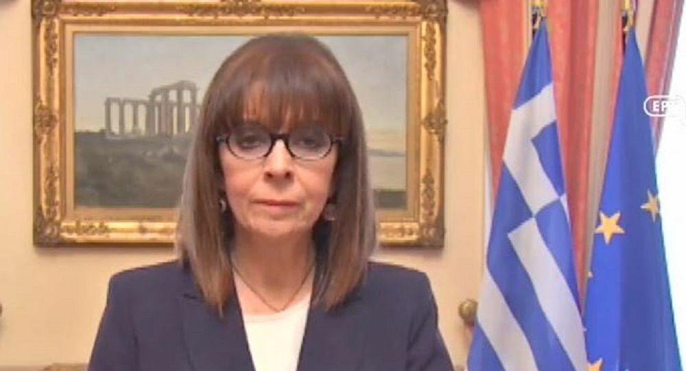 Σακελλαροπούλου: Η 25η Μαρτίου μας διδάσκει ότι, για να πετύχει μια εθνική προσπάθεια, το «εμείς» πρέπει να μπει πριν από το «εγώ» (video)