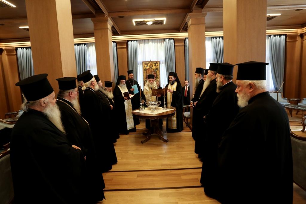 Ιερά Σύνοδος: Συνεδρίαση το απόγευμα με αίτημα τη λειτουργία των ναών από την Κυριακή των Βαΐων – Οικουμενικό Πατριαρχείο: Παρατείνεται η αναστολή εκκλησιαστικών τελετών