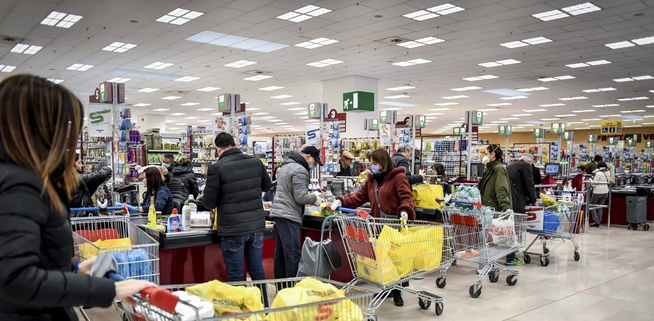 Έλεγχος εισόδου στα σούπερ μάρκετ από την Δευτέρα