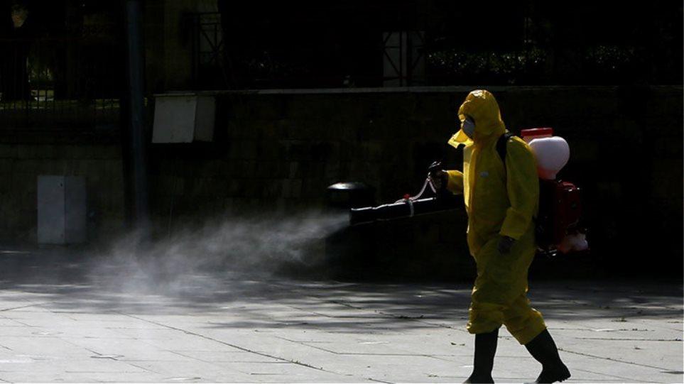 Κύπρος: «Βραχιολάκι» σε θετικούς στον ιό για επιτήρηση