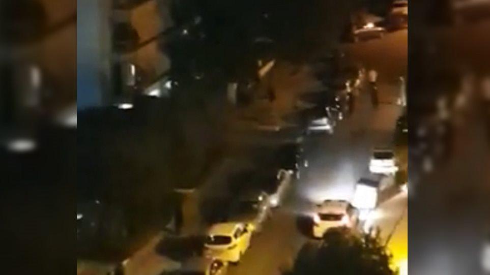Παλαιό Φάληρο: «Κλεφτοπόλεμος» για το «πάρτι» στα μπαλκόνια