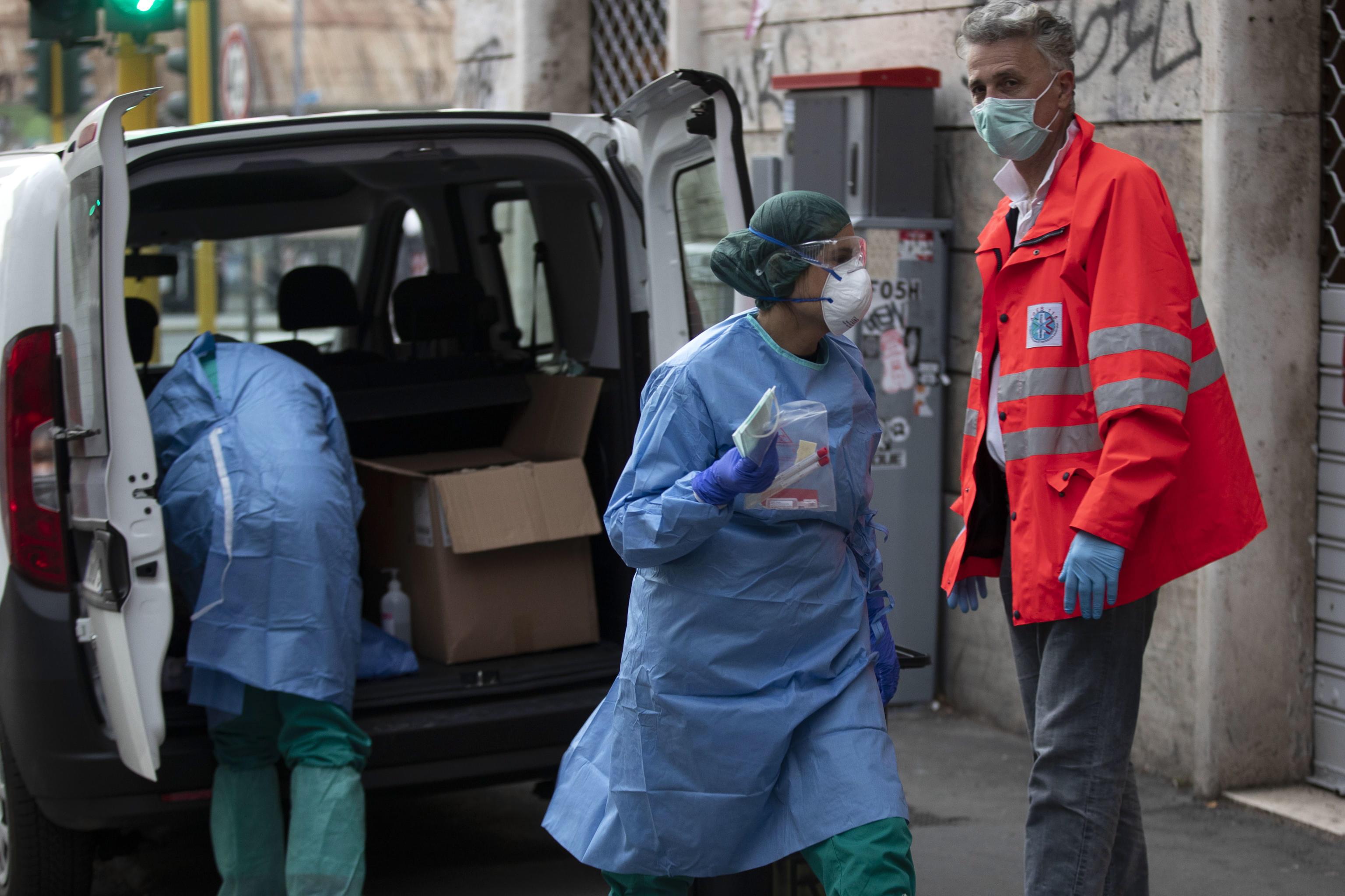 Ιταλία: Ακόμη 969 νεκροί από κορωνοϊό σε ένα 24ωρο – Εκατοντάδες νεκροί και στη Νέα Υόρκη