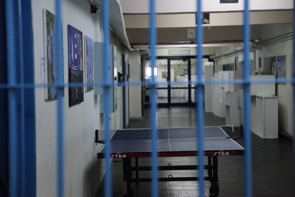 Παγώνουν μεταγωγές τρομοκρατών σε αγροτικές φυλακές- Φρένο και σε άδειες κρατουμένων