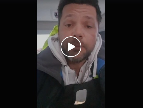 """Υπουργείο Ναυτιλίας: Λύση για τα 30 νεότευκτα σκάφη – Η έκκληση του κυβερνήτη μέσα από το """"σκάφος – καραντίνα"""" (βίντεο)"""