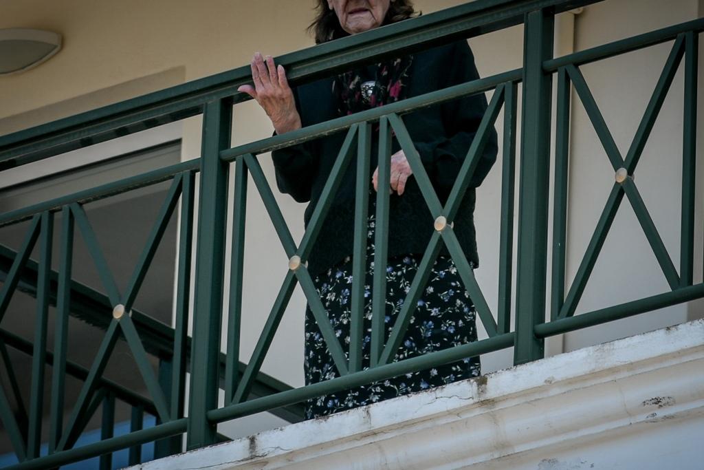 COVID-19: Στο γηροκομείο της Νέας Μάκρης ο Σωτήρης Τσιόδρας
