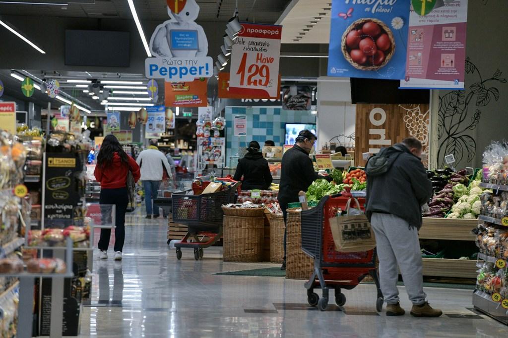 Εντείνονται οι έλεγχοι στην αγορά τροφίμων