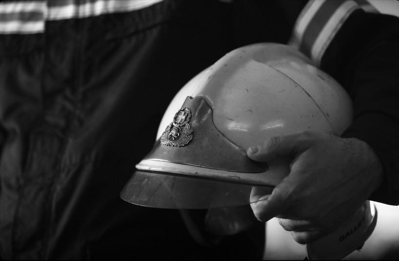 Οι… διαφορετικές ευχές του Διονύση Σαββόπουλου και της Γενικής Γραμματείας Πολιτικής Προστασίας (βίντεο)