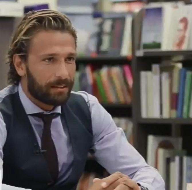 Γιάννης Μαρακάκης: 1000 ευρώ με εισοδηματικά κριτήρια