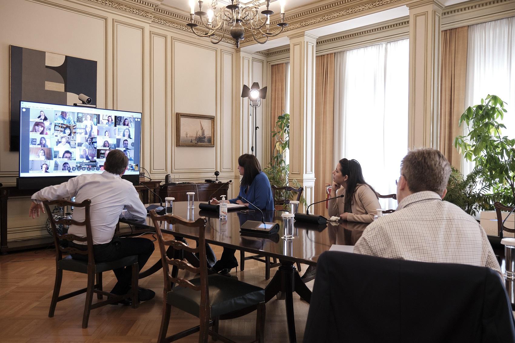 Τηλεδιάσκεψη Κυρ. Μητσοτάκη με εκπαιδευτικούς που συμμετείχαν στα μαθήματα εκπαιδευτικής τηλεόρασης
