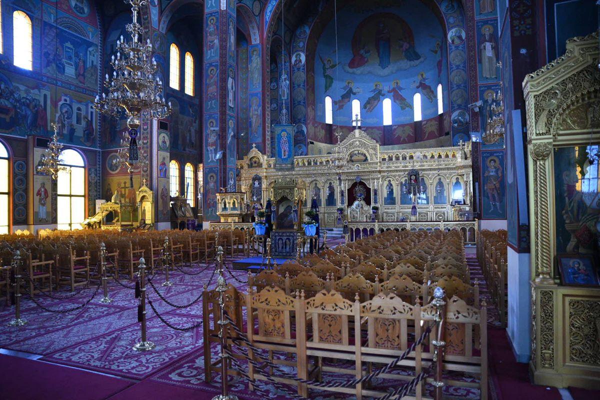 Ανοίγουν την Κυριακή οι εκκλησίες – Υπενθύμισε τους κανόνες ο Χαρδαλιάς