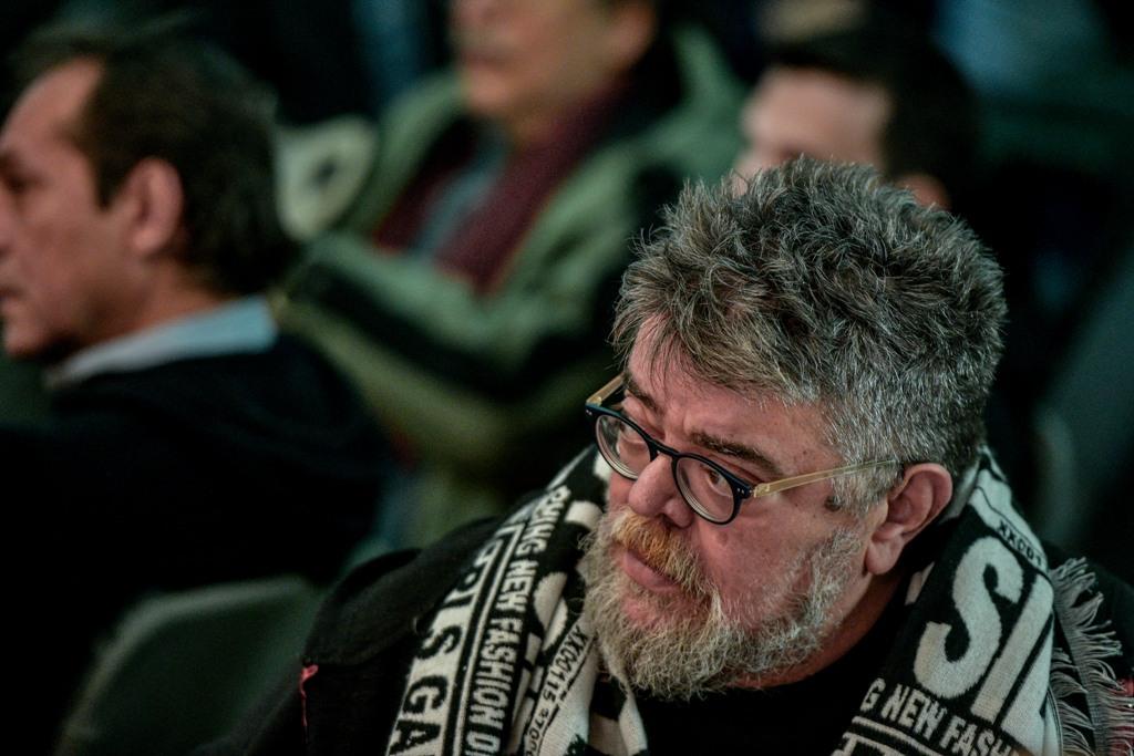Ο Κραουνάκης έστειλε εξώδικο στον Δήμο Αθηναίων για τη συναυλία της Πρωτοψάλτη – Πληρωμή 800 ευρώ αποφάσισε ο Δήμος, διαψεύδει ο συνθέτης