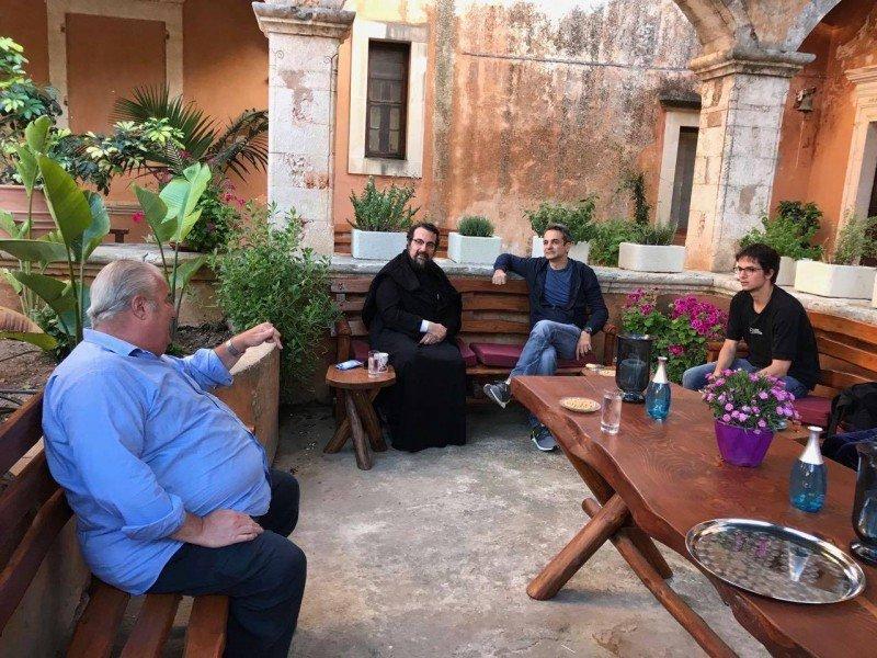 Στη Μονή της Αγίας Τριάδας στα Χανιά ο Πρωθυπουργός Κυριάκος Μητσοτάκης (Φωτογραφίες)